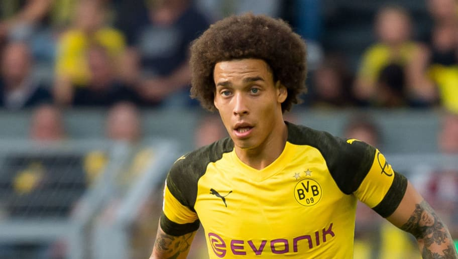 DORTMUND, GERMANY - OCTOBER 06: Axel Witsel of Borussia Dortmund controls the ball during the Bundesliga match between Borussia Dortmund and FC Augsburg at Signal Iduna Park on October 6, 2018 in Dortmund, Germany. (Photo by TF-Images/Getty Images)
