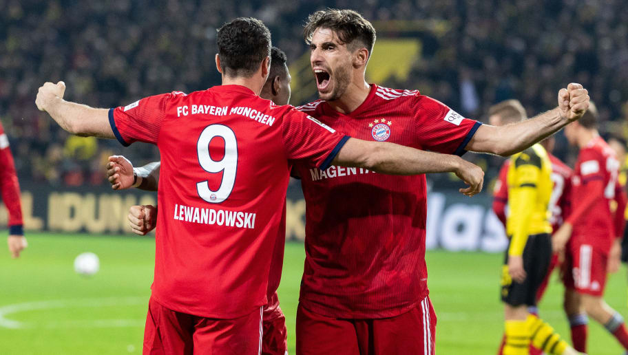 DORTMUND, GERMANY - NOVEMBER 10: Robert Lewandowski of FC Bayern Muenchen celebrates after scoring his team's second goal during the Bundesliga match between Borussia Dortmund and FC Bayern Muenchen at Signal Iduna Park on November 10, 2018 in Dortmund, Germany. (Photo by Boris Streubel/Getty Images)