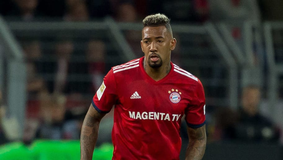 DORTMUND, GERMANY - NOVEMBER 10: Jerome Boateng of Bayern Muenchen controls the ball during the Bundesliga match between Borussia Dortmund and FC Bayern Muenchen at Signal Iduna Park on November 10, 2018 in Dortmund, Germany. (Photo by TF-Images/Getty Images)