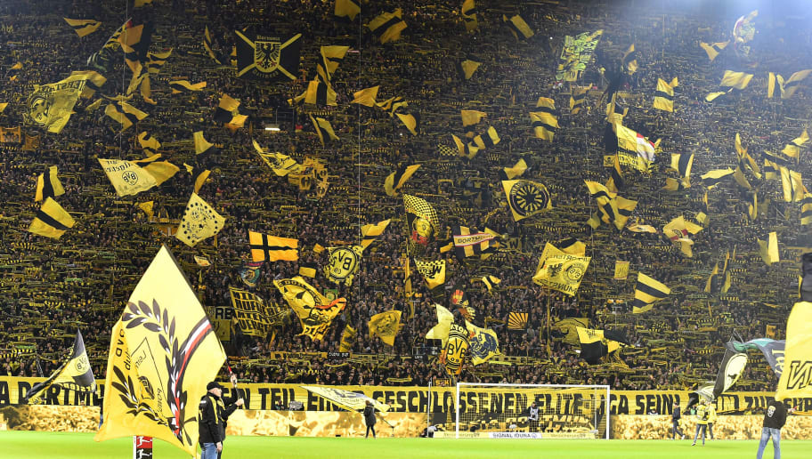 DORTMUND, GERMANY - NOVEMBER 10: Supporters of Dortmund are seen during the Bundesliga match between Borussia Dortmund and FC Bayern Muenchen at Signal Iduna Park on November 10, 2018 in Dortmund, Germany.(Photo by TF-Images/Getty Images)