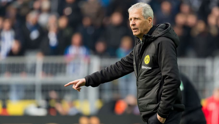 DORTMUND, GERMANY - OCTOBER 27: Head coach Lucien Favre of Borussia Dortmund gestures during the Bundesliga match between Borussia Dortmund and Hertha BSC at Signal Iduna Park on October 27, 2018 in Dortmund, Germany. (Photo by TF-Images/Getty Images)
