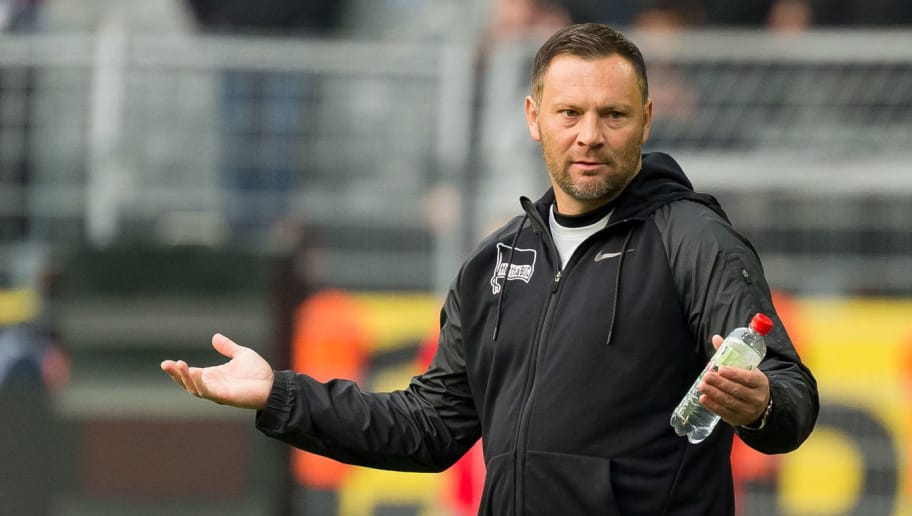 DORTMUND, GERMANY - OCTOBER 27: Head coach Pal Dardai of Hertha BSC gestures during the Bundesliga match between Borussia Dortmund and Hertha BSC at Signal Iduna Park on October 27, 2018 in Dortmund, Germany. (Photo by TF-Images/Getty Images)