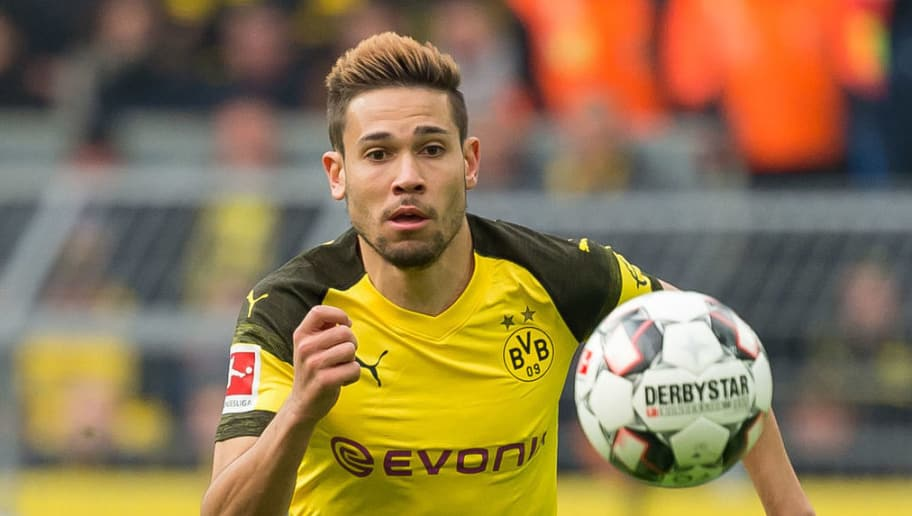 DORTMUND, GERMANY - OCTOBER 27: Raphael Guerreiro of Borussia Dortmund controls the ball during the Bundesliga match between Borussia Dortmund and Hertha BSC at Signal Iduna Park on October 27, 2018 in Dortmund, Germany. (Photo by TF-Images/Getty Images)