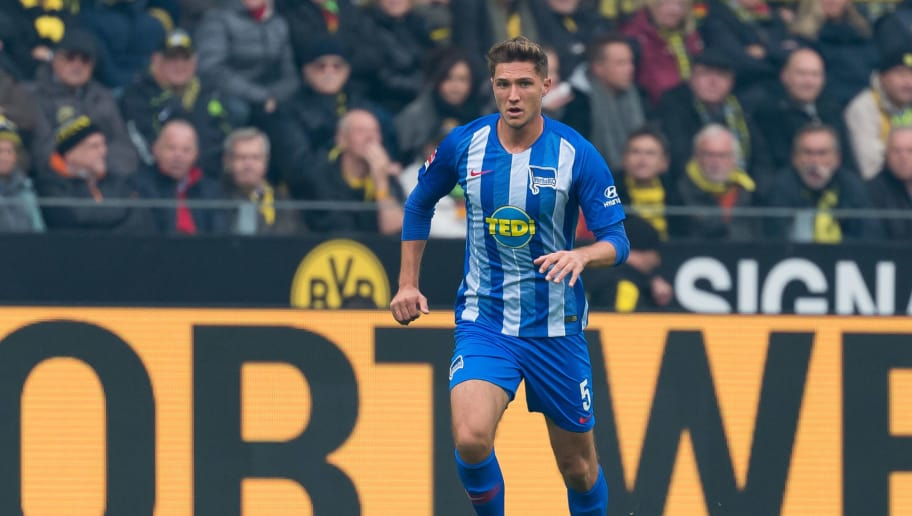 DORTMUND, GERMANY - OCTOBER 27: Niklas Stark of Hertha BSC controls the ball during the Bundesliga match between Borussia Dortmund and Hertha BSC at Signal Iduna Park on October 27, 2018 in Dortmund, Germany. (Photo by TF-Images/Getty Images)
