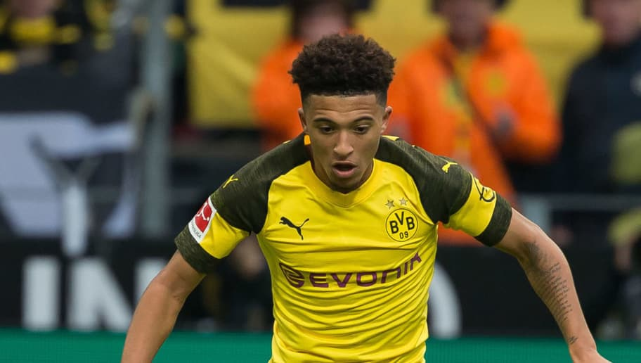 DORTMUND, GERMANY - OCTOBER 27: Jadon Sancho of Borussia Dortmund controls the ball during the Bundesliga match between Borussia Dortmund and Hertha BSC at Signal Iduna Park on October 27, 2018 in Dortmund, Germany. (Photo by TF-Images/Getty Images)