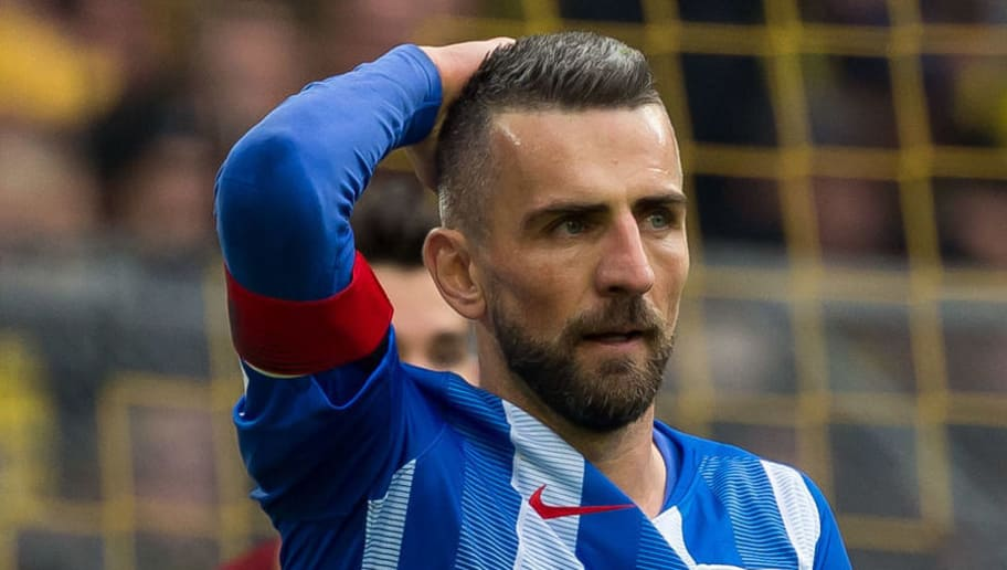 DORTMUND, GERMANY - OCTOBER 27: Vedad Ibisevic of Hertha BSC looks on during the Bundesliga match between Borussia Dortmund and Hertha BSC at Signal Iduna Park on October 27, 2018 in Dortmund, Germany. (Photo by TF-Images/Getty Images)