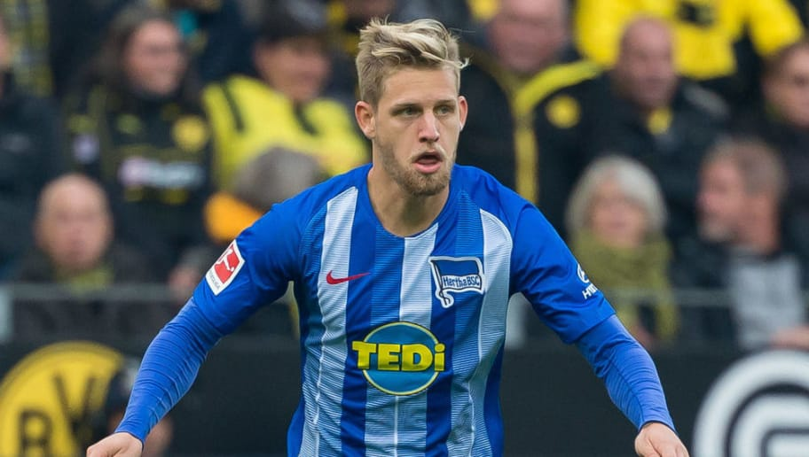 DORTMUND, GERMANY - OCTOBER 27: Arne Maier of Hertha BSC controls the ball during the Bundesliga match between Borussia Dortmund and Hertha BSC at Signal Iduna Park on October 27, 2018 in Dortmund, Germany. (Photo by TF-Images/Getty Images)