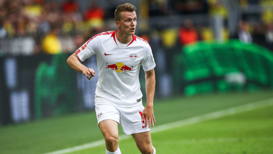 DORTMUND, GERMANY - AUGUST 26: Lukas Klostermann #16 of RB Leipzig controls the ball during the Bundesliga match between Borussia Dortmund and RB Leipzig at Signal Iduna Park on August 26, 2018 in Dortmund, Germany. (Photo by Maja Hitij/Bongarts/Getty Images)