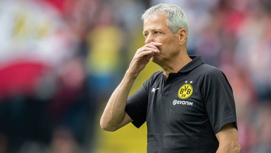 DORTMUND, GERMANY - AUGUST 26: Head coach Lucien Favre of Borussia Dortmund gestures during the Bundesliga match between Borussia Dortmund and RB Leipzig at Signal Iduna Park on August 26, 2018 in Dortmund, Germany. (Photo by Boris Streubel/Getty Images)