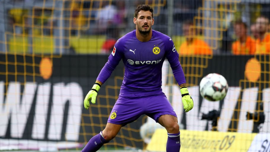 DORTMUND, GERMANY - AUGUST 26:  Roman Buerki, goalkeeper of Dortmund in action during the Bundesliga match between Borussia Dortmund and RB Leipzig at Signal Iduna Park on August 26, 2018 in Dortmund, Germany.  (Photo by Martin Rose/Bongarts/Getty Images)