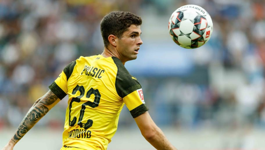 ST GALLEN, SWITZERLAND - AUGUST 07: Christian Pulisic of Dortmund controls the ball during the friendly match between Borussia Dortmund and S.S.C. Napoli on August 7, 2018 in St Gallen, Switzerland. (Photo by TF-Images/Getty Images)