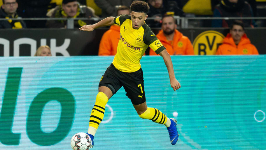 DORTMUND, GERMANY - DECEMBER 01: Jadon Sancho of Dortmund controls the ball during the Bundesliga match between Borussia Dortmund and Sport-Club Freiburg at Signal Iduna Park on December 01, 2018 in Dortmund, Germany. (Photo by TF-Images/Getty Images)