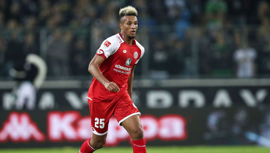 MOENCHENGLADBACH, GERMANY - NOVEMBER 04: Jean-Philippe Gbamin of Mainz controls the ball during the Bundesliga match between Borussia Moenchengladbach and 1. FSV Mainz 05 at Borussia-Park on November 4, 2017 in Moenchengladbach, Germany. (Photo by Maja Hitij/Bongarts/Getty Images)