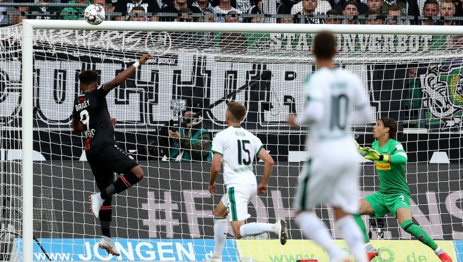 MOENCHENGLADBACH, GERMANY - AUGUST 25: Leon Bailey of Leverkusen (L) misses the first goal during the Bundesliga match between Borussia Moenchengladbach and Bayer 04 Leverkusen at Borussia-Park on August 25, 2018 in Moenchengladbach, Germany. (Photo by Christof Koepsel/Bongarts/Getty Images)