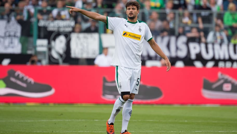 MOENCHENGLADBACH, GERMANY - AUGUST 25: Tobias Strobl of Borussia Moenchengladbach gestures during the Bundesliga match between Borussia Moenchengladbach and Bayer 04 Leverkusen at Borussia-Park on August 25, 2018 in Moenchengladbach, Germany. (Photo by TF-Images/Getty Images)