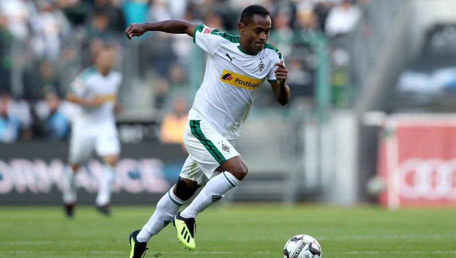 MOENCHENGLADBACH, GERMANY - AUGUST 25: Raffael of Moenchengladbach runs with the ball during the Bundesliga match between Borussia Moenchengladbach and Bayer 04 Leverkusen at Borussia-Park on August 25, 2018 in Moenchengladbach, Germany. The match between Gladbach and Leverkusen ended 2-0. (Photo by Christof Koepsel/Bongarts/Getty Images)