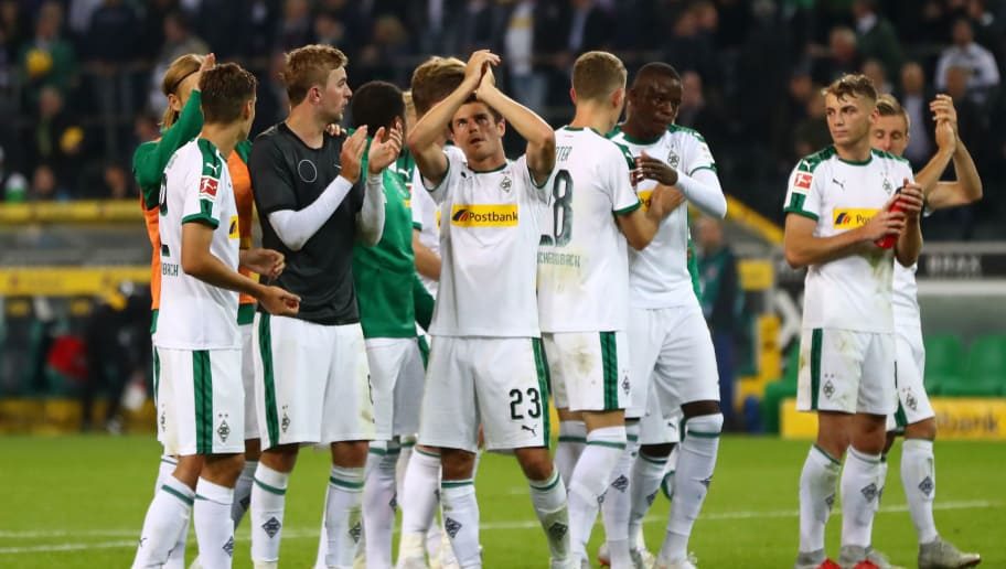 MOENCHENGLADBACH, GERMANY - SEPTEMBER 26:  Players of Borussia Monchengladbach celebrate following their sides victory in the Bundesliga match between Borussia Moenchengladbach and Eintracht Frankfurt at Borussia-Park on September 26, 2018 in Moenchengladbach, Germany.  (Photo by Dean Mouhtaropoulos/Bongarts/Getty Images)