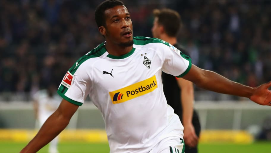 MOENCHENGLADBACH, GERMANY - SEPTEMBER 26:  Alassane Plea of Borussia Monchengladbach celebrates scoring his teams first goal of the game during the Bundesliga match between Borussia Moenchengladbach and Eintracht Frankfurt at Borussia-Park on September 26, 2018 in Moenchengladbach, Germany.  (Photo by Dean Mouhtaropoulos/Bongarts/Getty Images)