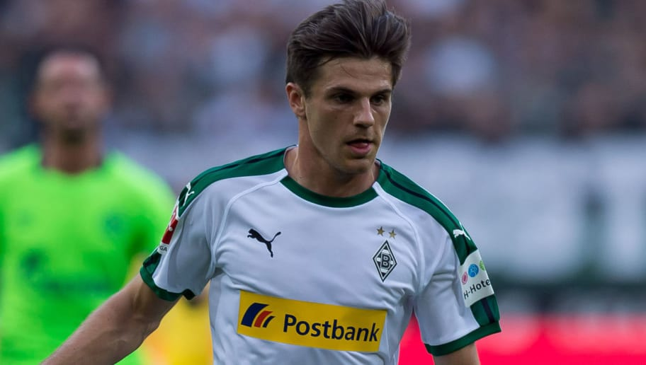 MOENCHENGLADBACH, GERMANY - SEPTEMBER 15: Jonas Hofmann of Borussia Moenchengladbach of controls the ball during the Bundesliga match between Borussia Moenchengladbach and FC Schalke 04 at Borussia-Park on September 15, 2018 in Moenchengladbach, Germany. (Photo by TF-Images/TF-Images via Getty Images)