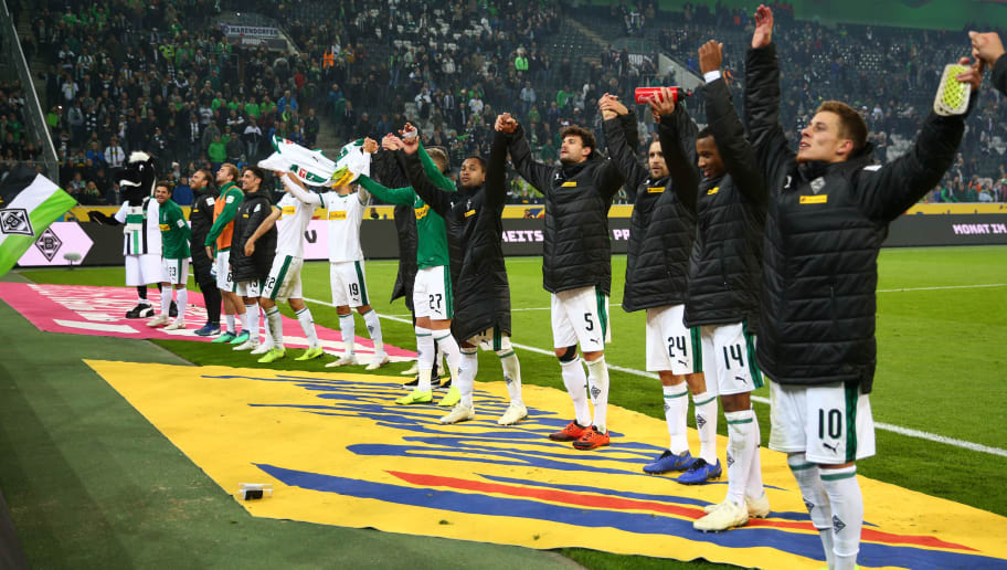 MOENCHENGLADBACH, GERMANY - NOVEMBER 04:  Borussia Monchengladbach players celebrate following their sides victory in the Bundesliga match between Borussia Moenchengladbach and Fortuna Duesseldorf at Borussia-Park on November 4, 2018 in Moenchengladbach, Germany.  (Photo by Maja Hitij/Bongarts/Getty Images)