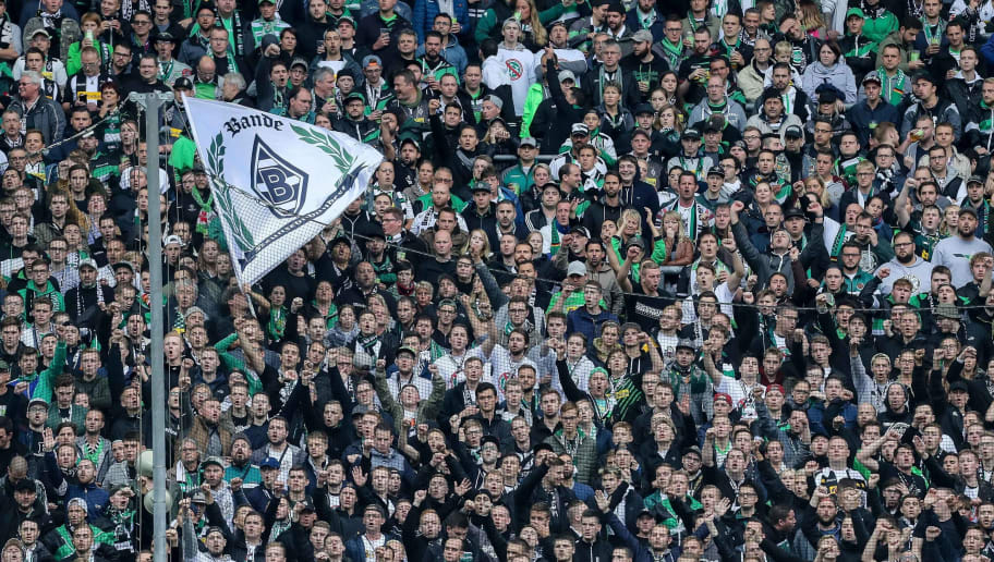 MOENCHENGLADBACH, GERMANY - SEPTEMBER 30: Fans of Borussia Moenchengladbach are seen during the Bundesliga match between Borussia Moenchengladbach and Hannover 96 at Borussia-Park on September 30, 2017 in Moenchengladbach, Germany. (Photo by TF-Images/TF-Images via Getty Images)
