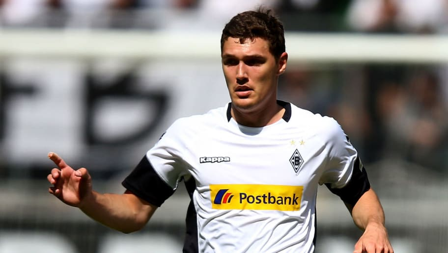 MOENCHENGLADBACH, GERMANY - MAY 20: Andreas Christensen of Moenchengladbach runs with the ball during the Bundesliga match between Borussia Moenchengladbach and SV Darmstadt 98 at Borussia-Park on May 20, 2017 in Moenchengladbach, Germany.  (Photo by Christof Koepsel/Bongarts/Getty Images)