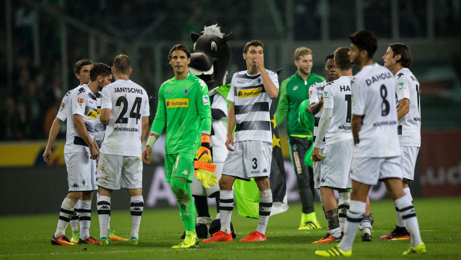 MOENCHENGLADBACH, GERMANY - SEPTEMBER 17: Players of Moenchengladbach celebrate after winning 4-1 the Bundesliga match between Borussia Moenchengladbach and Werder Bremen at Borussia-Park on September 17, 2016 in Moenchengladbach, Germany. (Photo by Maja Hitij/Bongarts/Getty Images)