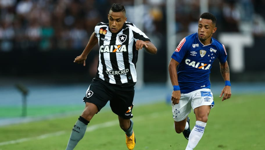 69567edb6c De saída  Ponte Preta oficializa proposta por lateral do Botafogo ...