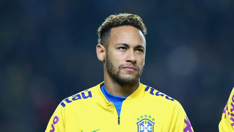 MILTON KEYNES, ENGLAND - NOVEMBER 20:  Neymar of Brazil looks on prior to the International Friendly match between Brazil and Cameroon at Stadium mk on November 20, 2018 in Milton Keynes, England.  (Photo by Alex Livesey - Danehouse/Getty Images)