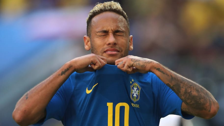SAINT PETERSBURG, RUSSIA - JUNE 22: Neymar of Brazil reacts during the 2018 FIFA World Cup Russia group E match between Brazil and Costa Rica at Saint Petersburg Stadium on June 22, 2018 in Saint Petersburg, Russia. (Photo by Ian MacNicol/Getty Images)
