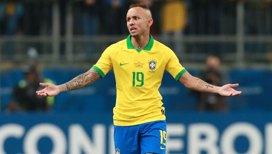 Gremio Set Price Tag for Winger Everton Soares Amid Interest From AC Milan