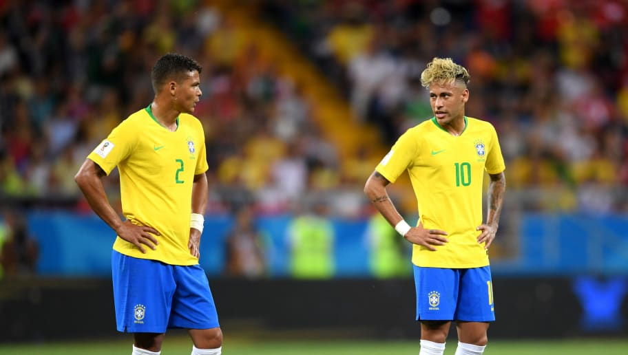 ROSTOV-ON-DON, RUSSIA - JUNE 17:  Thiago Silva and Neymar Jr of Brazil talk as they line up a freekick during the 2018 FIFA World Cup Russia group E match between Brazil and Switzerland at Rostov Arena on June 17, 2018 in Rostov-on-Don, Russia.  (Photo by Laurence Griffiths/Getty Images)