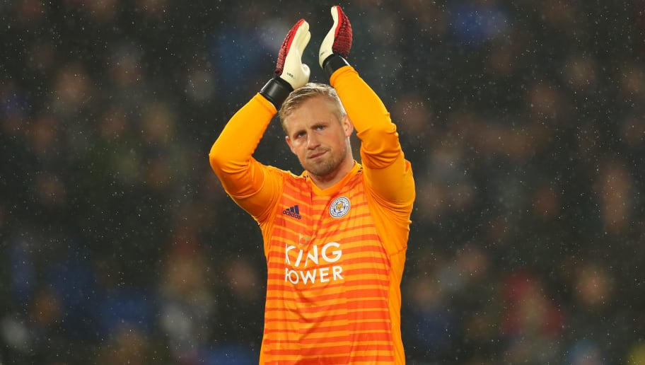 BRIGHTON, ENGLAND - NOVEMBER 24:   Kasper Schmeichel of Leicester City applauds the fans before the Premier League match between Brighton & Hove Albion and Leicester City at American Express Community Stadium on November 24, 2018 in Brighton, United Kingdom. (Photo by Dan Istitene/Getty Images)