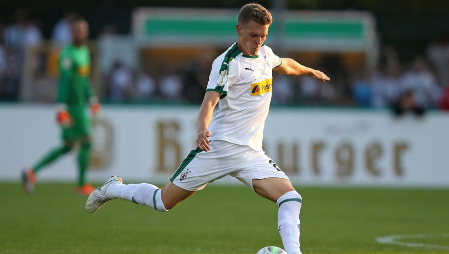 BREMEN, GERMANY - AUGUST 19: Matthias Ginter of Borussia Moenchengladbach in action during the DFB Cup first round match between BSC Hastedt and Borussia Moenchengladbach at stadium Platz 11 on August 19, 2018 in Bremen, Germany. (Photo by Cathrin Mueller/Bongarts/Getty Images)