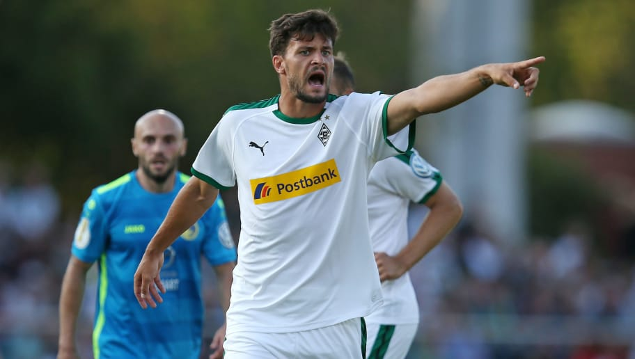 BREMEN, GERMANY - AUGUST 19: Tobias Strobl of Borussia Moenchengladbach gestures during the DFB Cup first round match between BSC Hastedt and Borussia Moenchengladbach at stadium Platz 11 on August 19, 2018 in Bremen, Germany. (Photo by Cathrin Mueller/Bongarts/Getty Images)