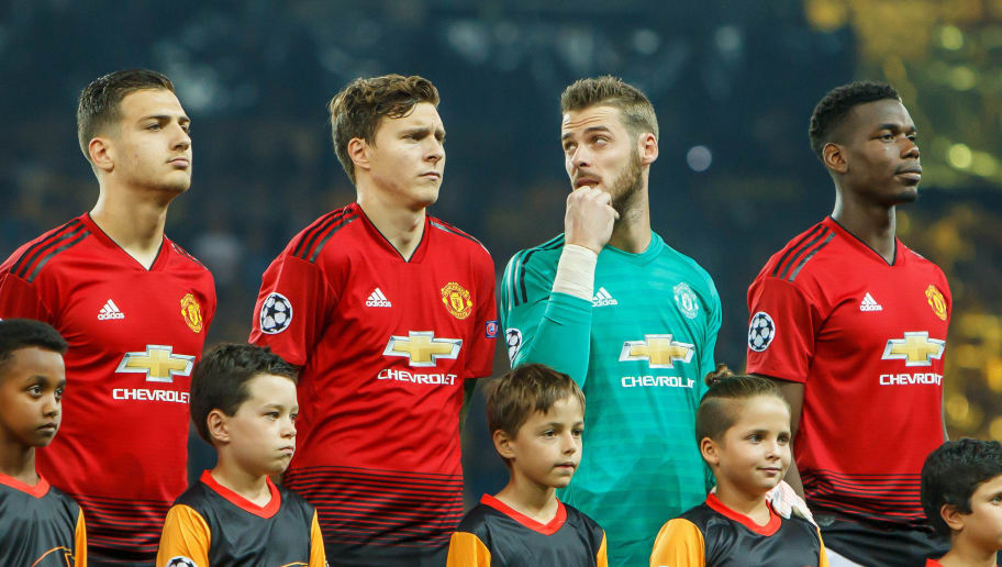 BERN, SWITZERLAND - SEPTEMBER 19: Diogo Dalot of Manchester United, Victor Lindeloef of Manchester United, Goalkeeper David de Gea of Manchester United, Paul Pogba of Manchester United look on prior to the UEFA Champions League Group H match between BSC Young Boys and Manchester United at Stade de Suisse, Wankdorf on September 19, 2018 in Bern, Switzerland. (Photo by TF-Images/Getty Images)