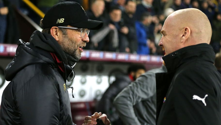 BURNLEY, ENGLAND - DECEMBER 05:  Jurgen Klopp, Manager of Liverpool and Sean Dyche, Manager of Burnley embrace prior to the Premier League match between Burnley FC and Liverpool FC at Turf Moor on December 5, 2018 in Burnley, United Kingdom.  (Photo by Nigel Roddis/Getty Images)