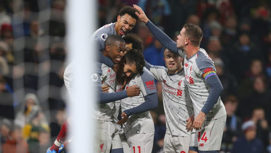BURNLEY, ENGLAND - DECEMBER 05:  Roberto Firmino of Liverpool celebrates with team mates after scoring their team's second goal during the Premier League match between Burnley FC and Liverpool FC at Turf Moor on December 5, 2018 in Burnley, United Kingdom.  (Photo by Alex Livesey/Getty Images)