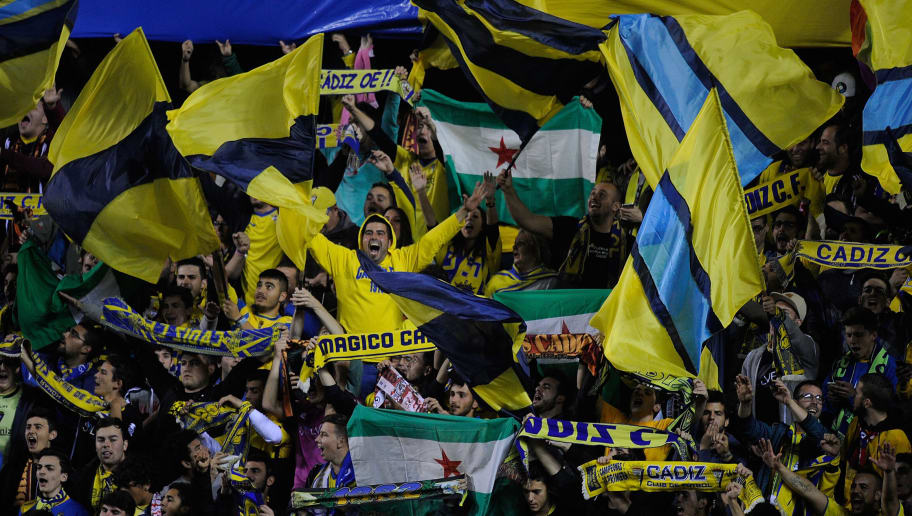 CADIZ, SPAIN - DECEMBER 02:  Cadiz fans cheer on their team during the Copa del Rey Round of 32 First Leg match between Cadiz and Real Madrid at Ramon de Carranza stadium on December 2, 2015 in Cadiz, Spain.  (Photo by Denis Doyle/Getty Images)