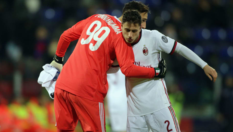 CAGLIARI, ITALY - JANUARY 21: Gigio Donnarumma and Davide Calabria of Milan  during the serie A match between Cagliari Calcio and AC Milan at Stadio Sant'Elia on January 21, 2018 in Cagliari, Italy.  (Photo by Enrico Locci/Getty Images)