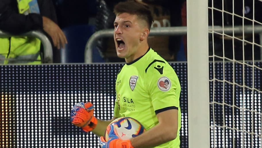 CAGLIARI, ITALY - SEPTEMBER 26: Alessio Cragno of Cagliari exults after having saved the penalty   during the serie A match between Cagliari and UC Sampdoria at Sardegna Arena on September 26, 2018 in Cagliari, Italy.  (Photo by Enrico Locci/Getty Images)