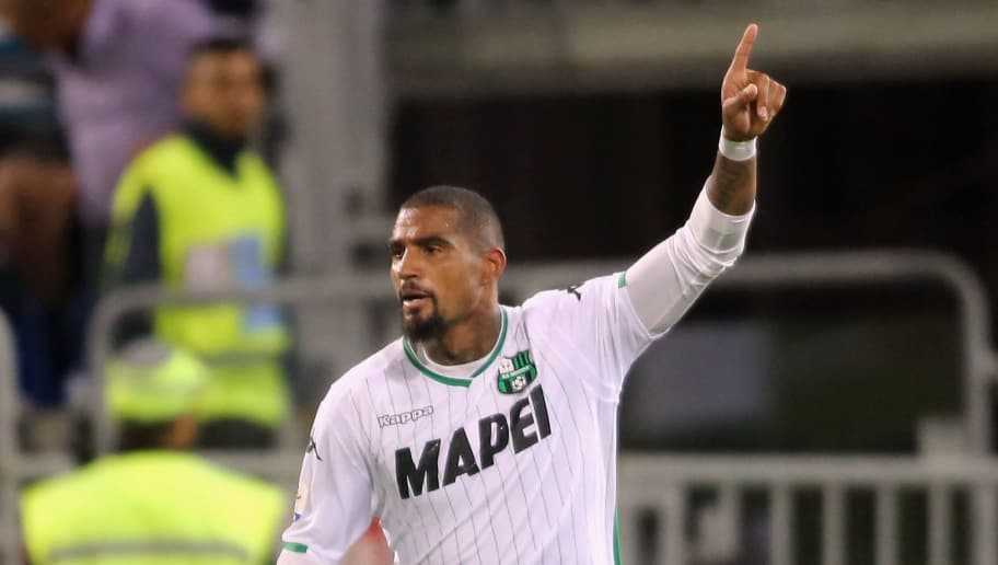 CAGLIARI, ITALY - AUGUST 26: Kevin Prince Boateng of Sassuolo celebreates his goal 2-2   during the serie A match between Cagliari and US Sassuolo at Sardegna Arena on August 26, 2018 in Cagliari, Italy.  (Photo by Enrico Locci/Getty Images)