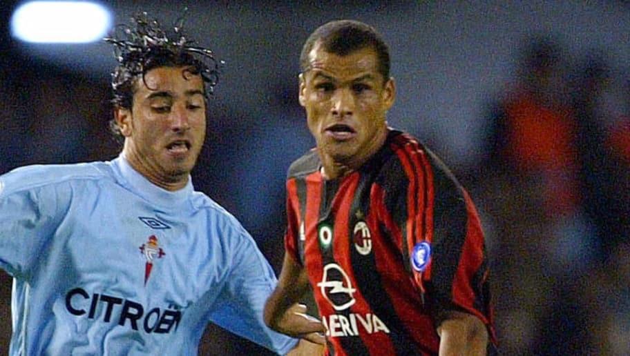 Celta Vigo's Jandro (L) fights for the b