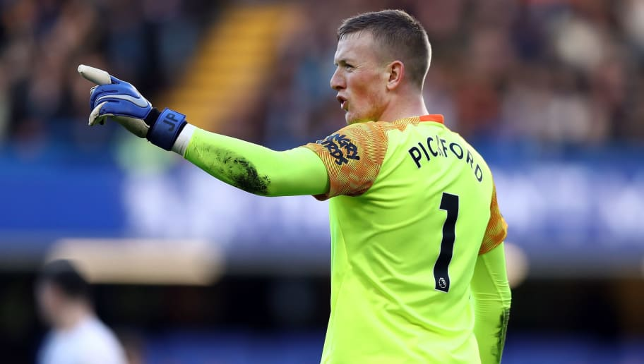 LONDON, ENGLAND - NOVEMBER 11:  Everton goalkeeper Jordan Pickford reacts during the Premier League match between Chelsea FC and Everton FC at Stamford Bridge on November 11, 2018 in London, United Kingdom.  (Photo by Bryn Lennon/Getty Images)
