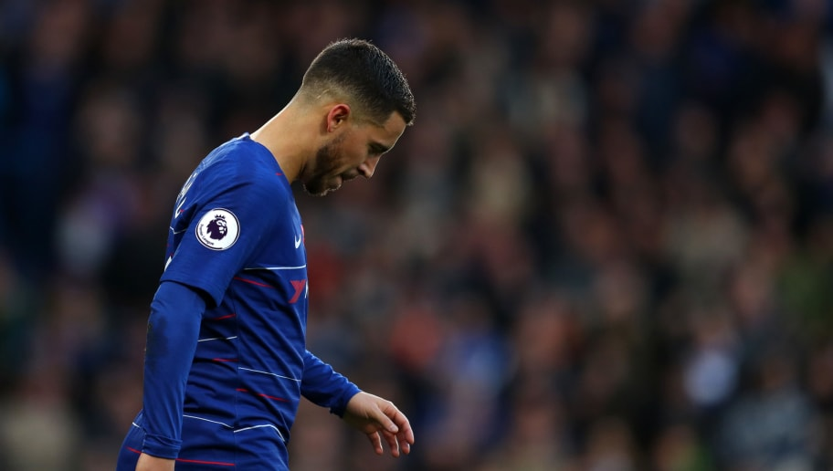 LONDON, ENGLAND - NOVEMBER 11: A dejected looking Eden Hazard of Chelsea during the Premier League match between Chelsea FC and Everton FC at Stamford Bridge on November 11, 2018 in London, United Kingdom. (Photo by Catherine Ivill/Getty Images)