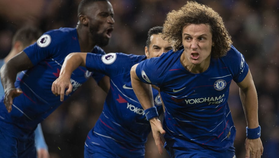 LONDON, ENGLAND - DECEMBER 08: David Luiz celebrates scoring Chelsea's second goal during the Premier League match between Chelsea FC and Manchester City at Stamford Bridge on December 8, 2018 in London, United Kingdom. (Photo by Visionhaus/Getty Images)