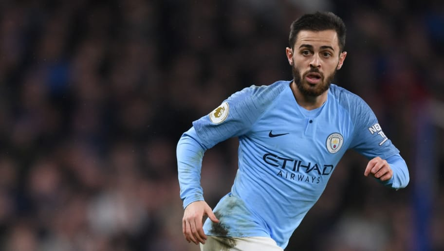 LONDON, ENGLAND - DECEMBER 08:  Bernardo Silva of Manchester City in action during the Premier League match between Chelsea FC and Manchester City at Stamford Bridge on December 08, 2018 in London, United Kingdom. (Photo by Shaun Botterill/Getty Images)