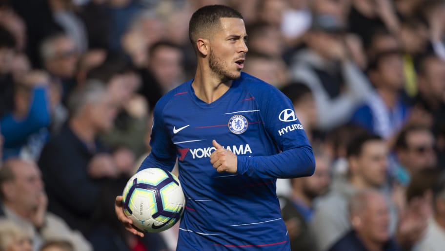 LONDON, ENGLAND - OCTOBER 20: Eden Hazard of Chelsea during the Premier League match between Chelsea FC and Manchester United at Stamford Bridge on October 20, 2018 in London, United Kingdom. (Photo by Visionhaus/Getty Images)