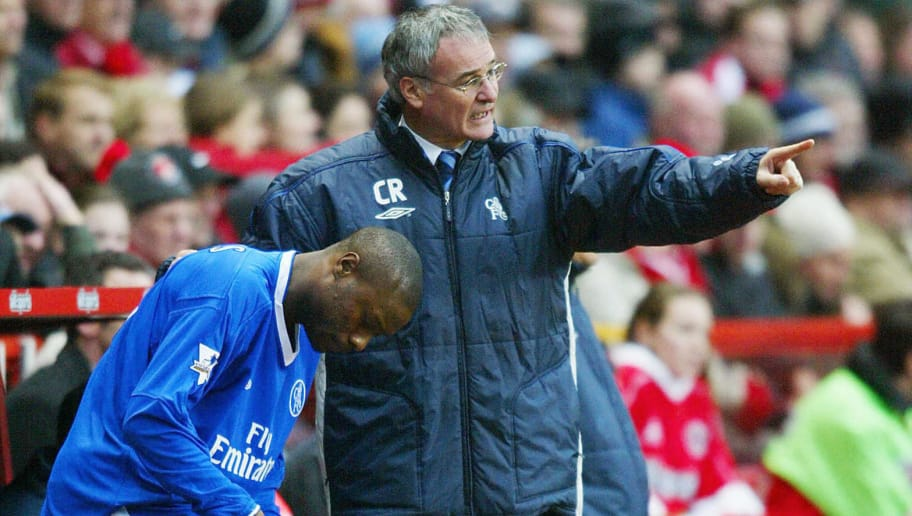 LONDON, UNITED KINGDOM:  Chelsea's coach Claudio Ranieri (R) gives instructions to William Galls before sending him into the game against Charlton during their Premiership match 26 December, 2003 at the Valley in London. Charlton won 4-2.    AFP PHOTO/JOSHUA ROBERTS                NO TELCOS, WEBSITES SUBJECT TO DESCRIPTION OF LICENCE WITH FAPL AT WWW.FAPLWEB.COM  (Photo credit should read JOSHUA ROBERTS/AFP/Getty Images)