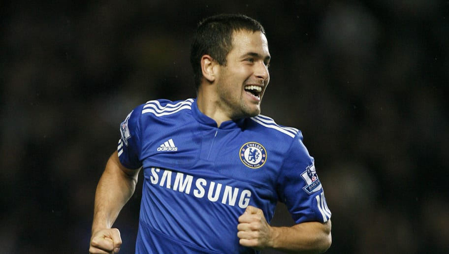 Chelsea's English midfielder Joe Cole ce